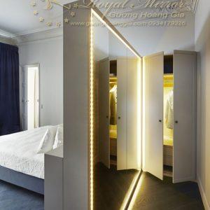 Gương phòng thay đồ đèn LED kích thước khủng
