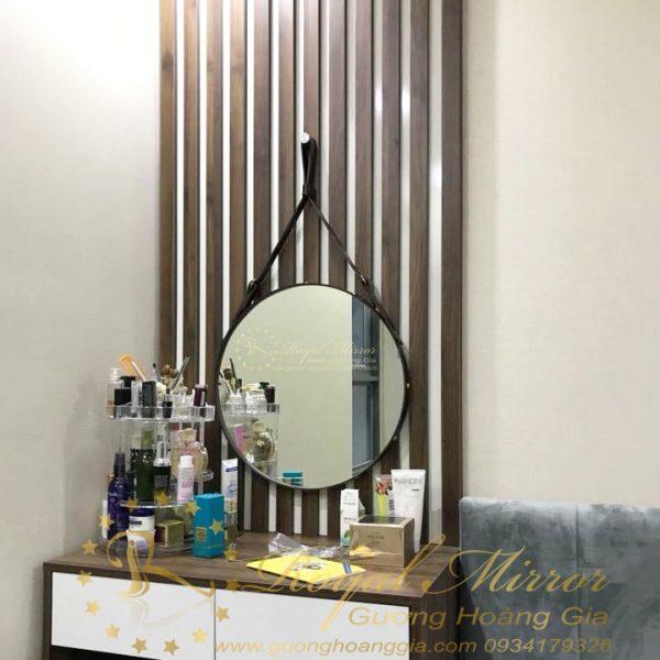 Gương tròn dây da làm gương bàn trang điểm tuyệt đẹp