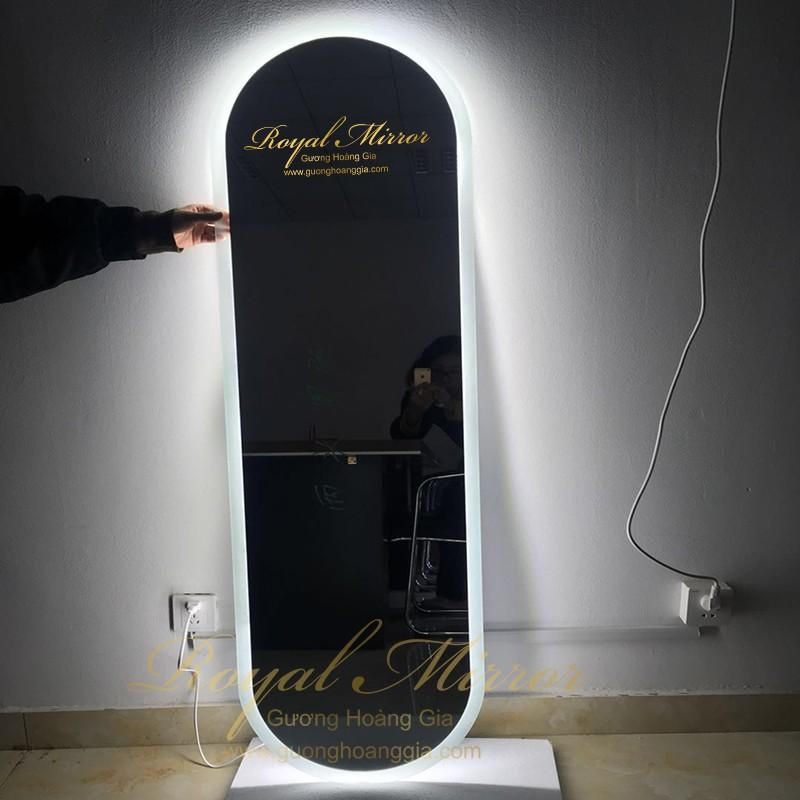 Gương Thử Đồ tích hợp đèn LED siêu sáng với mặt gương Bỉ 5mm bền, đẹp, chống ố mốc