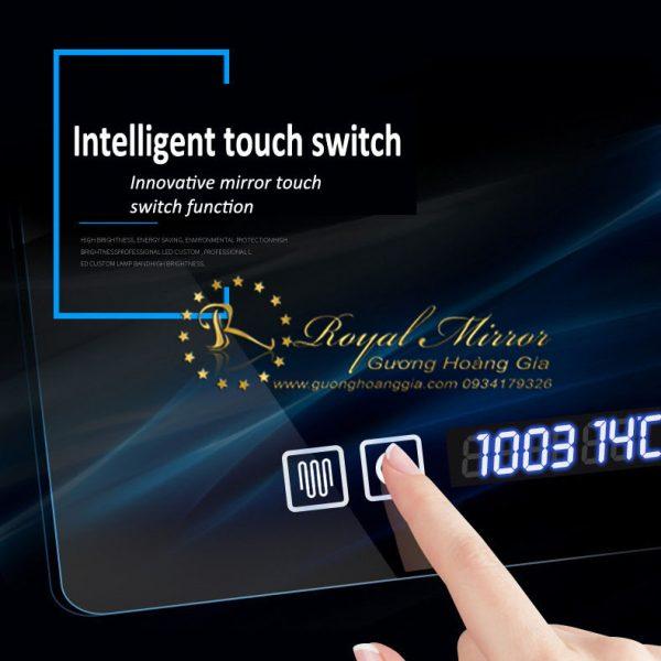 Gương Hoàng Gia tích hợp công nghệ Nhà thông minh tiên tiến nhất với cảm ứng chạm tiện nghi, hiện đại, an toàn cùng đèn LED siêu sáng, bền, đẹp