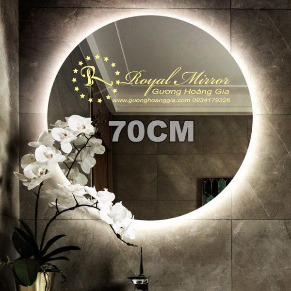 Gương LED tròn giá rẻ tại xưởng Hoàng Gia. Bương Bỉ 5mm cao cấp, đèn LED hắt sáng đẹp. Đường kính 70cm Mã T702