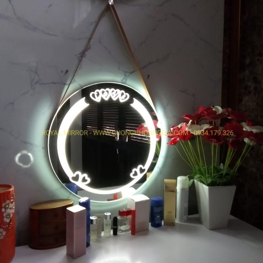 Gương tròn LOVE tích hợp đèn LED soi gương, đèn ngủ. Tuyệt vời cho phòng ngủ, bàn trang điểm phòng cưới