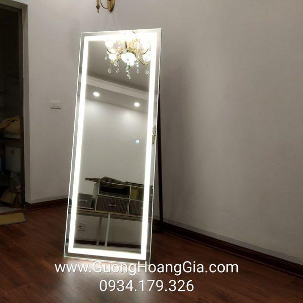 Gương soi di động đèn LED cảm ứng
