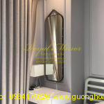 Gương trang điểm dây da treo tường