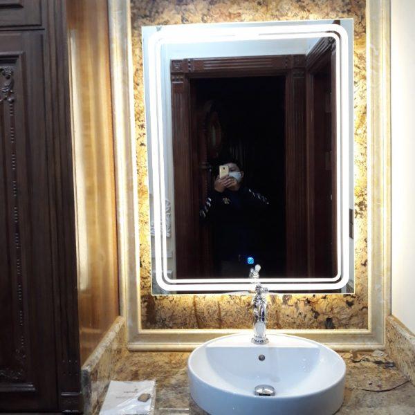 Gương thông minh cao cấp cho bàn lavabo phòng tắm. KT 60*80 . Đèn cảm ứng, Sấy gương. Mã RCN8-68 PRE