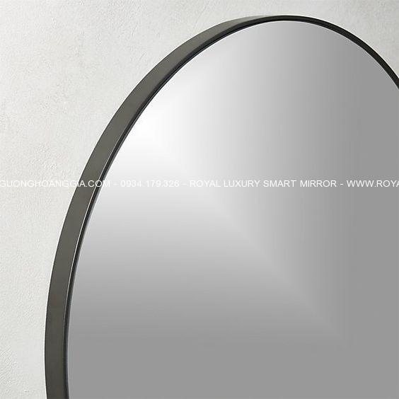 Khung thép được chế tác mỹ thuật, sơn tĩnh điện cao cấp bền bỉ